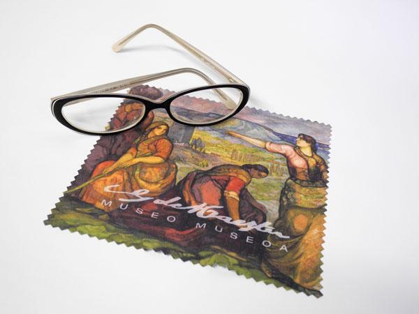 Gamuza para gafas. Tienda Museo Gustavo de Maeztu
